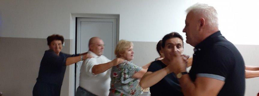 Zabawa taneczna w Stowarzyszeniu Seniorów